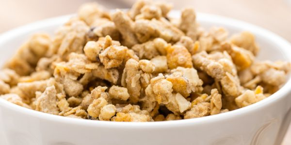 Sugar-reduced granola breakfast high in prebiotic fibre